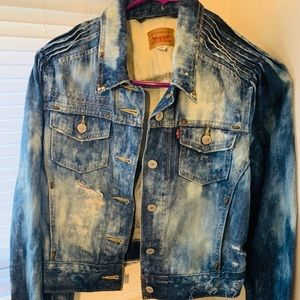Women's Levi's Bleached Distressed Denim Jacket